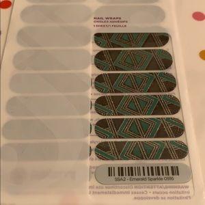 Jamberry wrap- Emerald Sparkle